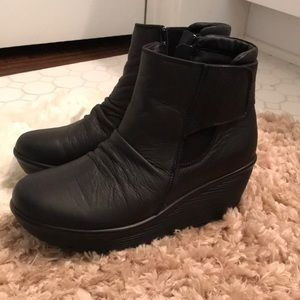 7ae4042f8665 Skechers Shoes - Parallel Fastened Wedge Ankle Boot Skechers
